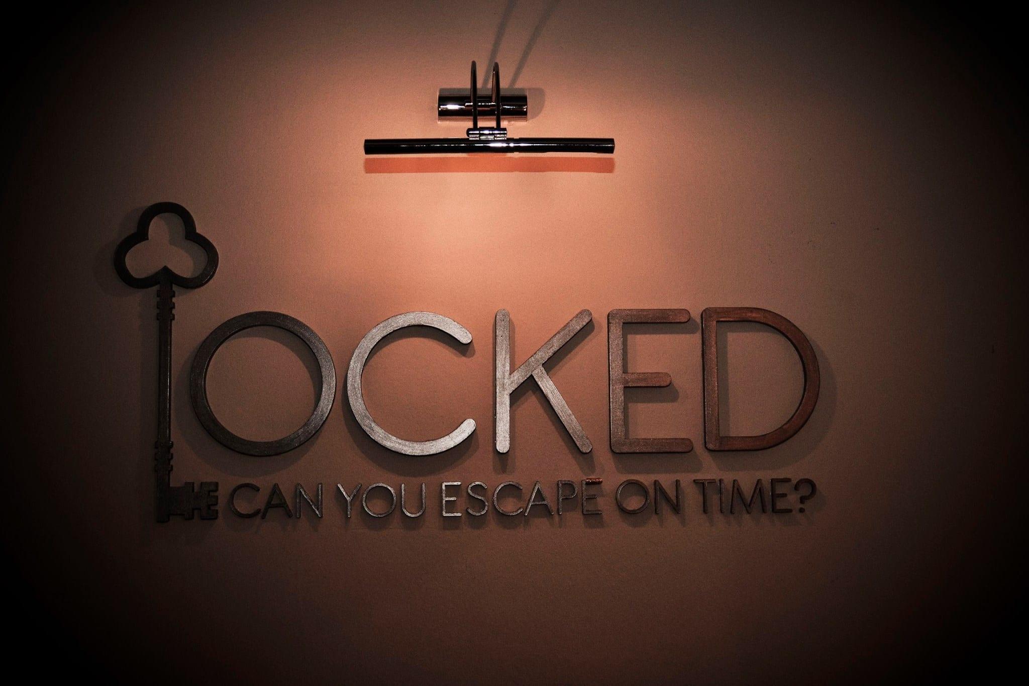 "Sherlok ""Locked""!"