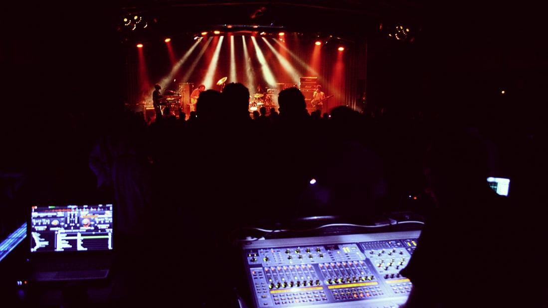 Φωτοντελίριο από τα 4 χρόνια του Plisskën Festival στο Principal Club Theater