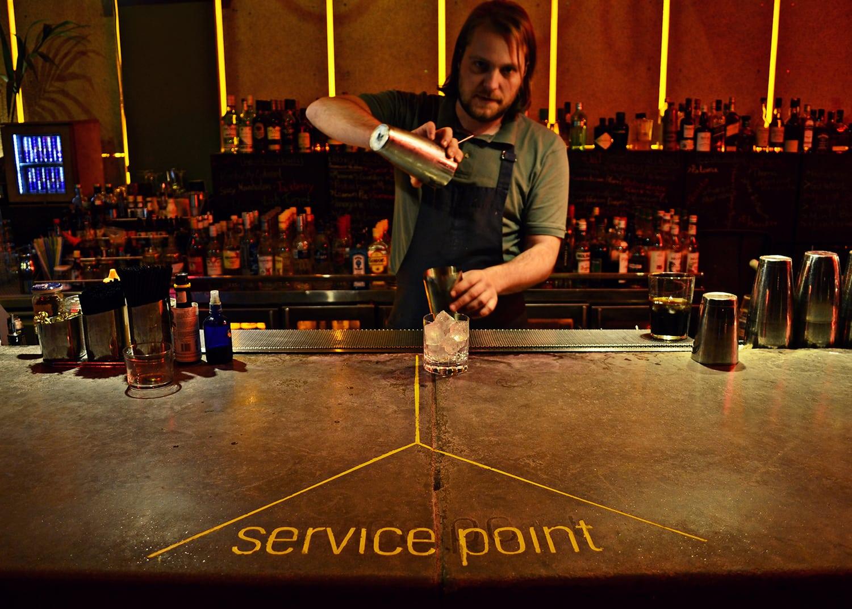 To «Cocktail Bar» είναι ακριβώς αυτό που λέει το όνομά του!