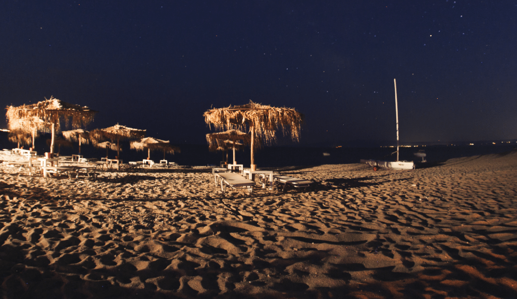 Maori_Beach_Bar_Stars_By_Night