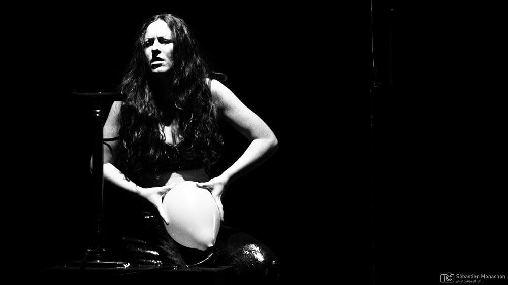 Bleu - MeS Anna Lemonaki - Générale - Théâtre des Grottes -