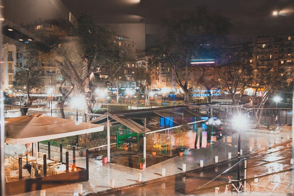 Καπνιστή αμερικάνικη λατρεία στο κέντρο της Θεσσαλονίκης!