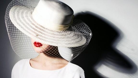 Lady-White-Hat-Fashion-Wallpaper