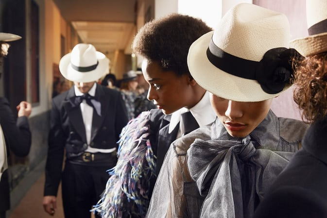 chanel-cruise-2016-17-cuba-panama-hats