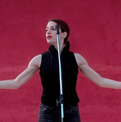 Η Lady R. της Σοφίας Μαυραγάνη στην documenta14!