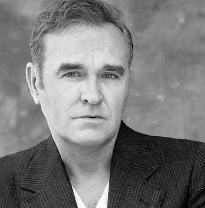 O Morrissey επιστρέφει με το άλμπουμ Low In High-School!