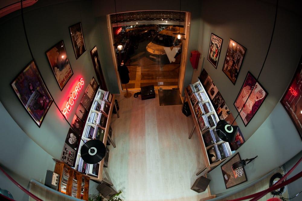 Velona Records: Το νέο «βινυλιακό» στέκι της πόλης!