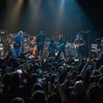 Ο Jim Kerr στη σκηνή μαζί με τους Arcade Fire!
