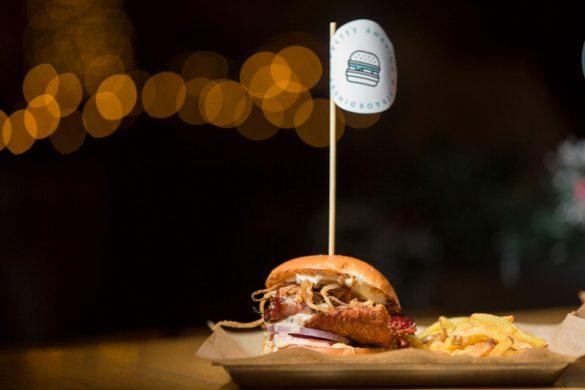 Τα φετινά Χριστούγεννα έχουν γεύση Pax Burgers!