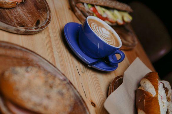 Το The Blue Cup μας μυεί στον κόσμο του τρίτου κύματος του καφέ!