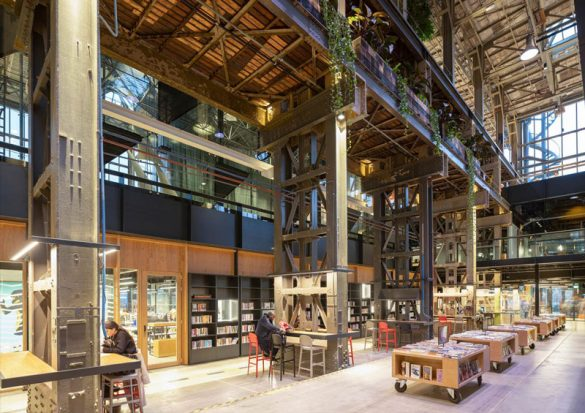 Στην Ολλανδία έκαναν βιβλιοθήκη ένα παλιό υπόστεγο ατμομηχανών!