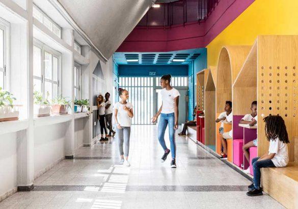 Χρώματα, σε ένα σχολείο για προσφυγόπουλα στο Τελ Αβίβ!