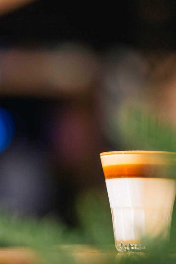 Οι μέρες σου από εδώ και πέρα θα σε βρίσκουν στην αυλή του The Blue Cup!
