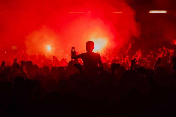 40 φωτογραφίες από τη νύχτα που ο ΛΕΞ έβαλε φωτιά στην Θεσσαλονίκη!