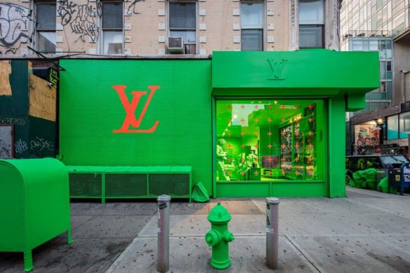 To νέο pop-up της Louis Vuitton στη Νέα Υόρκη είναι καταπράσινο!