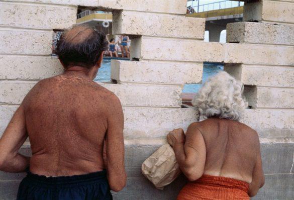 Οι σπάνιες έγχρωμες φωτογραφίες της Vivian Maier!