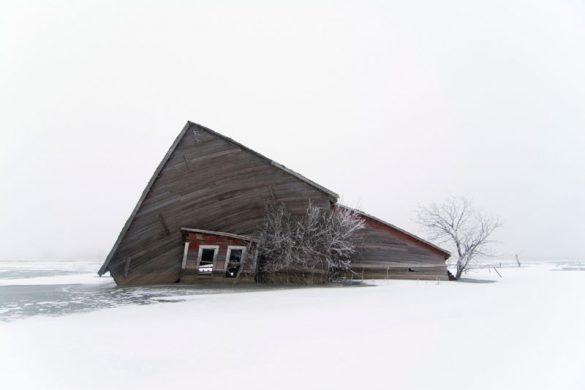 O Paul Johnson φωτογράφισε τον «πνιγμό» μιας κοινότητας από την κλιματική αλλαγή.
