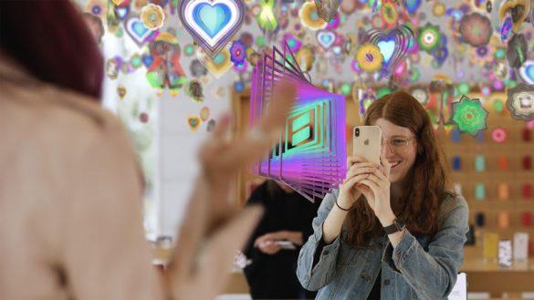 Ο Nick Cave σχεδιάζει τέρατα για τα νέα AR Tours της Apple!