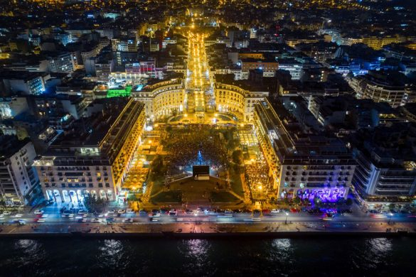 Η βραδιά που ολόκληρη η πλατεία Αριστοτέλους έγινε «Σινεμά ο Παράδεισος» με 3.000 θεατές!