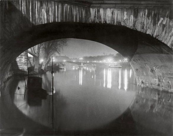 Παρίσι: Η πόλη του φωτός και οι σκιές της μέσα από τα μάτια του Brassaï!
