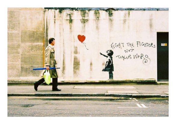 Ο Banksy αιχμάλωτος του φωτογραφικού φακού!