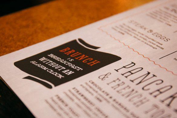 Τρεις συντάκτες δοκίμασαν το νέο Brunch Menu του TGI Fridays στην Αριστοτέλους!