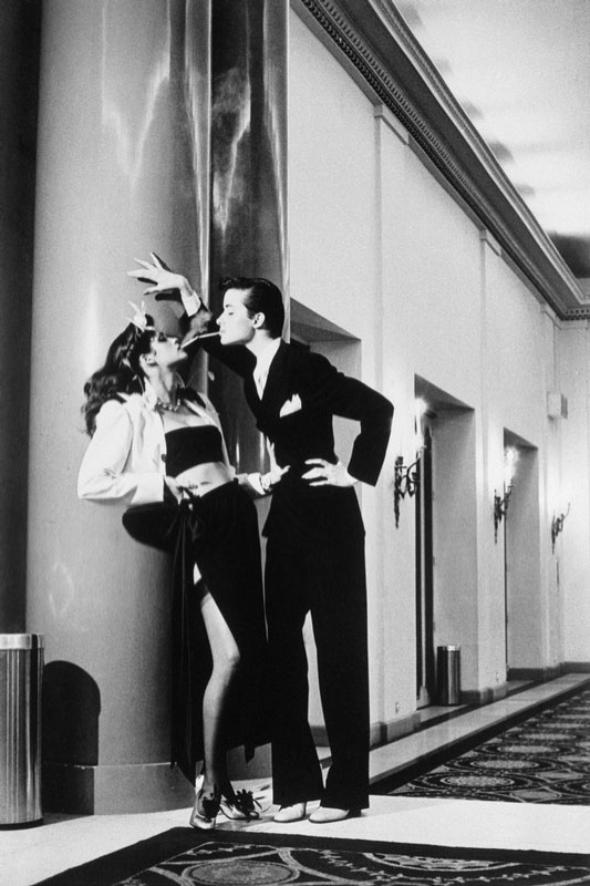 Helmut Newton. Works: Μια ρετροσπεκτίβα στις πιο ιδιαίτερες φωτογραφίες μόδας.