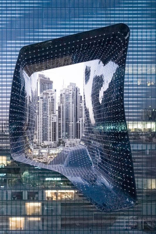 Το νέο ξενοδοχείο ME Dubai που σχεδίασε η Zaha Hadid!