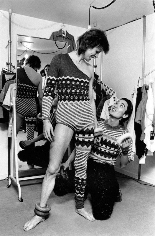 Όταν ο Kansai Yamamoto έντυνε τον David Bowie!