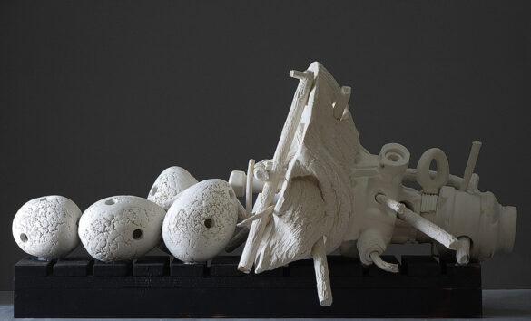 Ο Άρης Κατσιλάκης παρουσιάζει τα παράδοξα «ευρήματα» μιας ανασκαφής