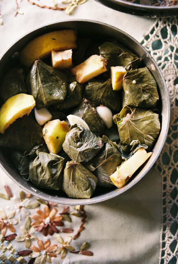 Grand Dishes: Ένα γαστρονομικό ταξίδι μέσα από συνταγές γιαγιάδων από όλον τον κόσμο.